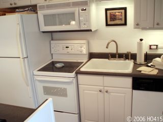 Lahaina condo photo - The Kitchen is Fully-Equipped and Spacious.