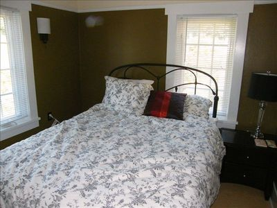 Bedroom with Custom Mattress and quality linens.