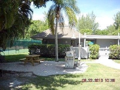 Captiva Island house rental - Pool House w/ commercial grade stainless steel barbeques