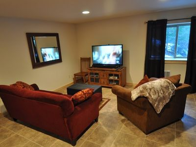 Basement bonus room. - Comfortable couches, flatscreen TV, Cable and DVD!