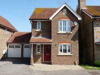 Modern 3 bed detached house with Wi-Fi in a quiet area