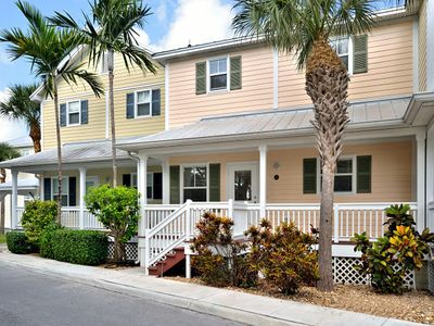 Charming Town Home in the Gated Coral Hammock Community