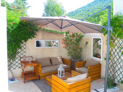Pretty mazet in peaceful hamlet with tennis pool 10 minutes from Port Grimaud!