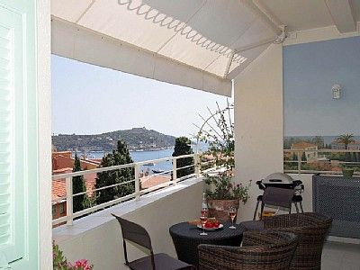 Villefranche mer old town large terrace vrbo for Terrace 6 indore address