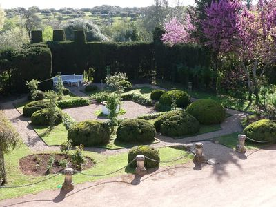 Hornachuelos chateau / country house rental - The beautiful rose garden, a secret corner to read