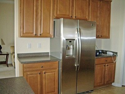 Fully Equipped Kitchen, Corian Work Surfaces, Halogen Hob, Double Oven.