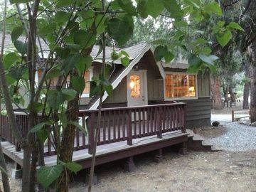 Idyllwild cabin rental - Twilight at Happy Trails