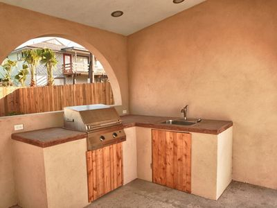 South Padre Island condo rental - Outdoor kitchen with commercial gas grill