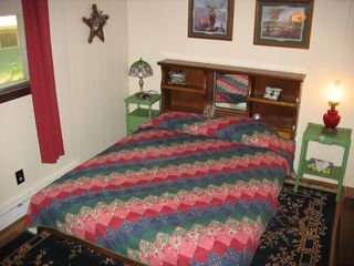 2nd floor master bedroom - Locust Lake chalet vacation rental photo
