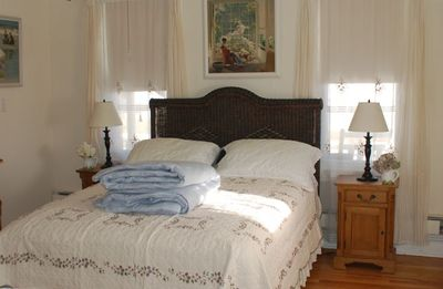 Master Bedroom with Queen Bed