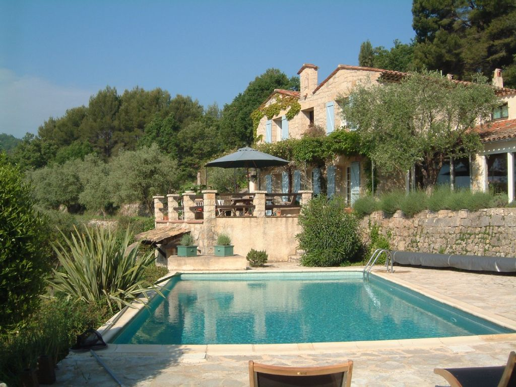 beautiful provencal house with pool homeaway fayence. Black Bedroom Furniture Sets. Home Design Ideas
