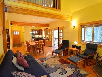 Dorrington cabin rental - Main floor on the bottom with all the utensils you need for cooking and relaxing
