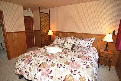 Bijou Park chalet rental - Master bedroom with private bath #2