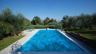 House with garden, swimming pool and view of Florence