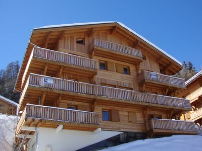 spacious 3 bed 2 bath,FREE wi-fi,mountain view,close to slopes,on bus route