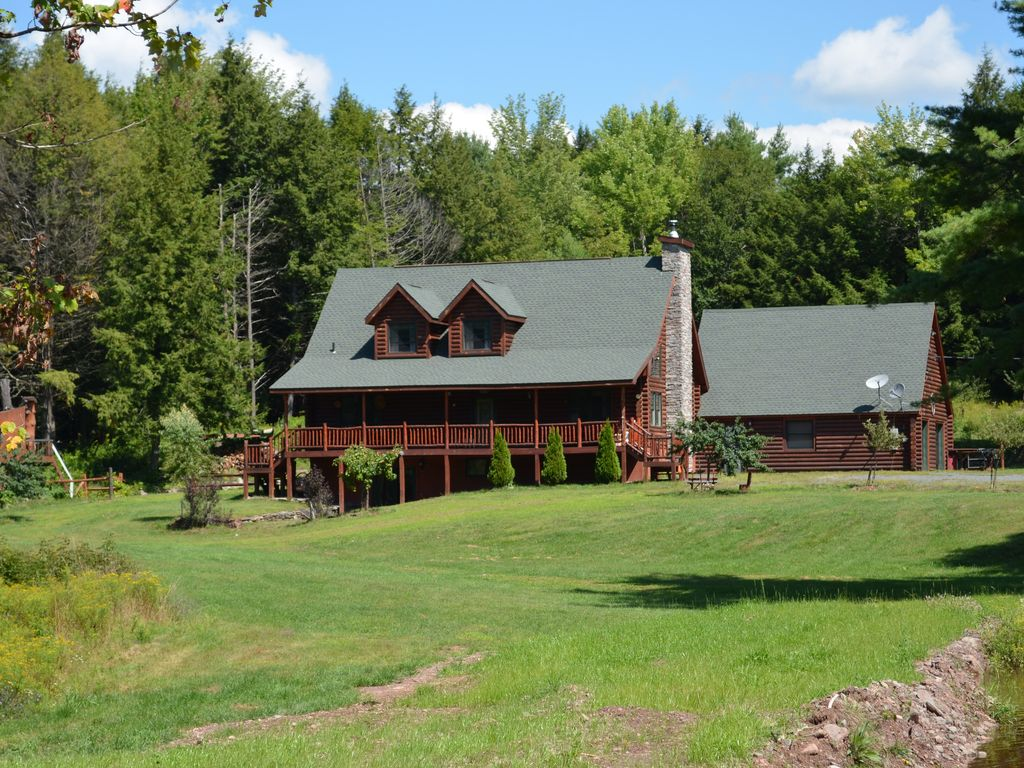 charming log cabin 75 private beautiful homeaway windham