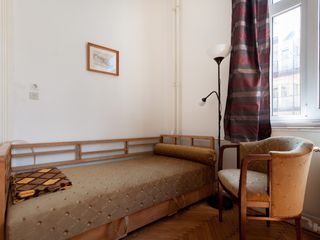 Budapest apartment photo - Daybed in living room
