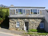 PENTY, pet friendly, country holiday cottage in Dolgellau, Ref 6881
