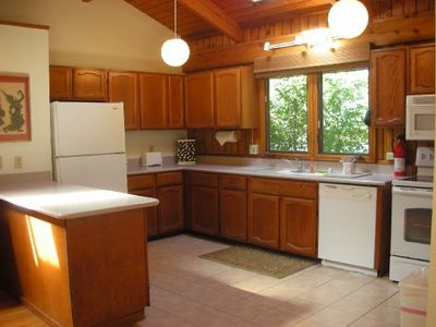 Kitchen, fully equipped inc., small appliances, dishes, pans, glassware, etc.