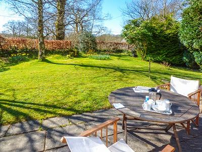 GERYLLAN, pet friendly, with a garden in Rhandirmwyn, Ref 923247