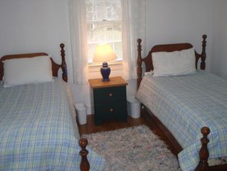 Chatham house photo - first bedroom with 2 twins
