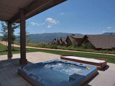 PVT HOT TUB W/ VIEW & TRAIL ACCESS