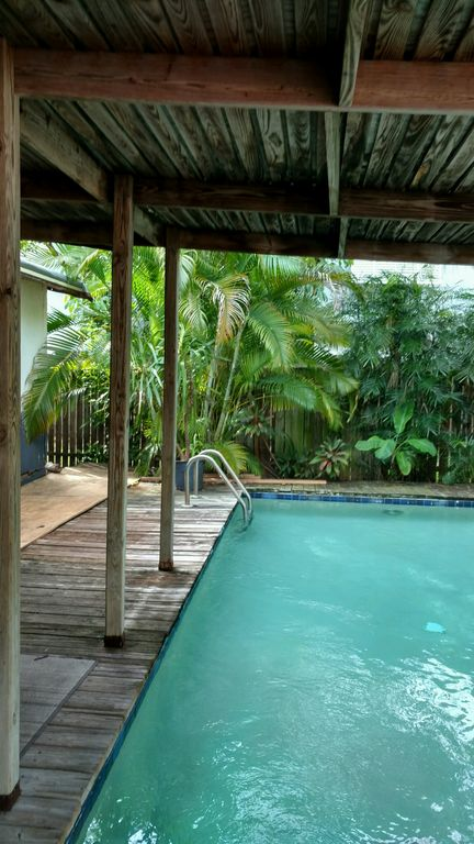 Key West Home with Pool in quiet area next to everything and sleeps up to 8