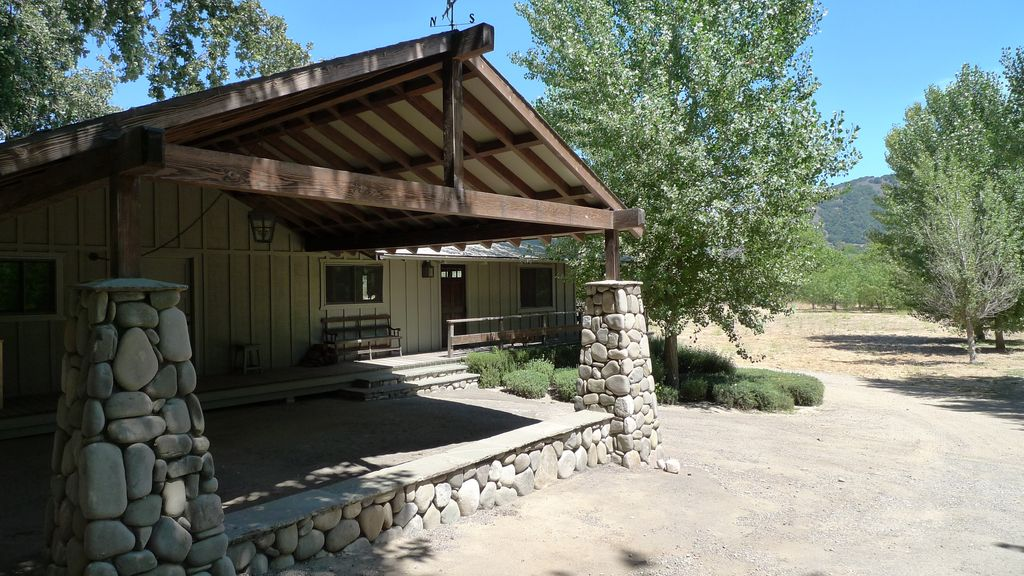 Tranquil & Private with Sweeping Views, River---all within 5 min of Santa Ynez - Californie - lodge