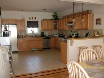 Lake Ariel chalet rental - Kitchen, with all appliances for cooking.