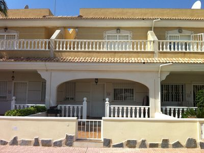 Spacious 3 bedroom townhouse, communal pool, close to beach and golf