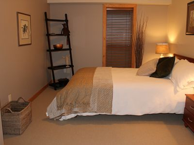Queen Bedroom with shared ensuite