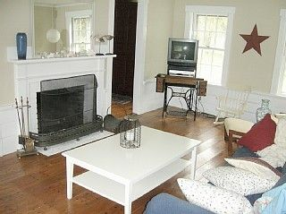 Pemaquid Beach house photo - Large, fully-equipped family/entertainment room