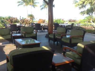 Gather with friends at the Ocean Club of Hali'i Kai.