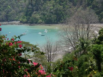 Playa Mantas, view from road leading up to condo