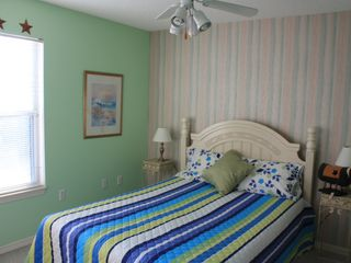Crystal Shores cottage photo - Lia room