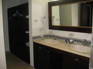 Jaco condo photo - Spacious Master Bath and Dressing Room