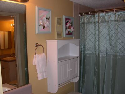 Sundestin condo rental - Full Bath cabinet and shower / tub; balloon curtain