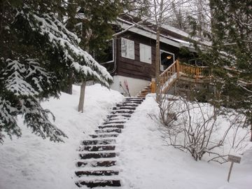 Lake Placid house rental - Front of house in winter