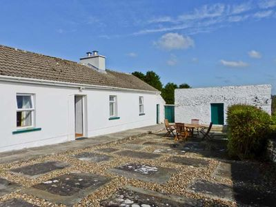 THE FARMHOUSE, with a garden in Lahinch, County Clare, Ref 23777