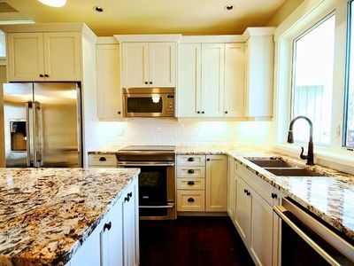 Fully Equipped Kitchen - Enjoy making gourmet meals!