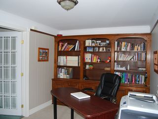 Sainte-Adèle cottage photo - Office between main area and Master Bedroom