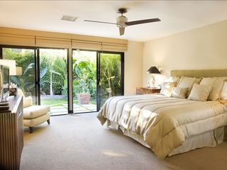 Rancho Mirage villa photo - master bedroom suite with direct garden access