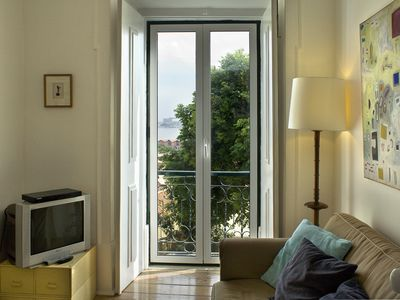 Santa Catarina/Chiado, Apartment with great views of Tagus in historical center