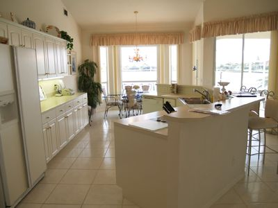 Cape Coral villa rental - kitchen with dining area