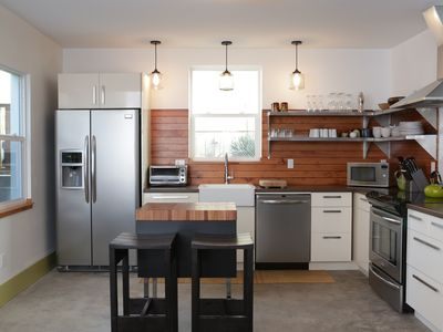 Modern & Beautiful Eco Rental In Vibrant Alberta Arts District- Shift Low Gear