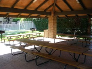 St. George condo photo - Picnic and barbeque area