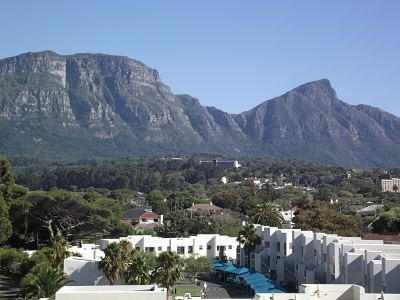 Constantia Valley apartment rental - Outstanding Mountain views from bedroom/lounge/balcony