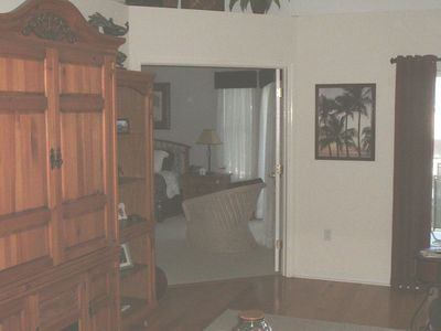 Hernando Beach house rental - living room - entertainment center with DVD. TV,stereo, surround sound, movies