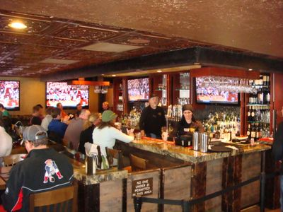 Westgate's DRAFTS Sports Bar and Grill. Burgers, pizza, 50 beers