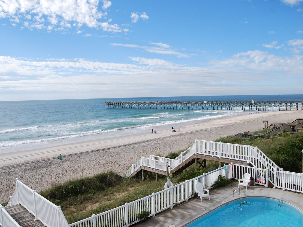 Oceanfront luxury townhouse with pool homeaway surf city for Surf city pier fishing report